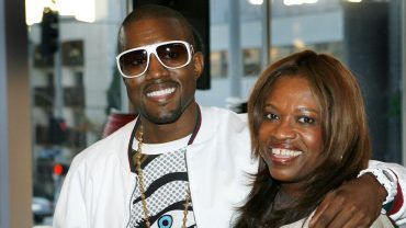 "YE PREVIEWS NEW TRACK ""DONDA"""