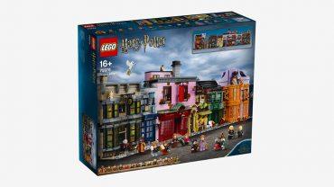 LEGO DROPS A 5,544-PIECE 'HARRY POTTER' DIAGON ALLEY SET