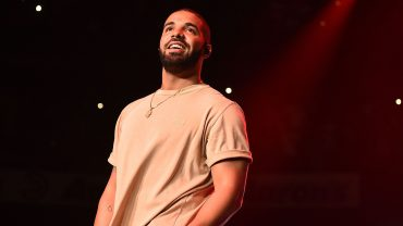 DRAKE BECOMES THE FIRST ARTIST TO HIT 50 BILLION SPOTIFY STEAMS